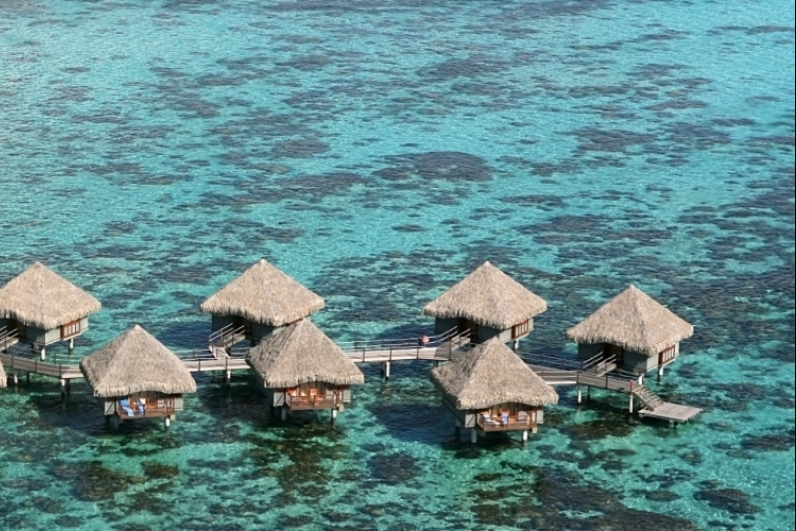 how to fly to tahiti in the world
